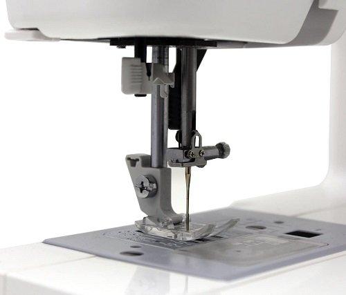 janome mod 19 sewing machine needle close up